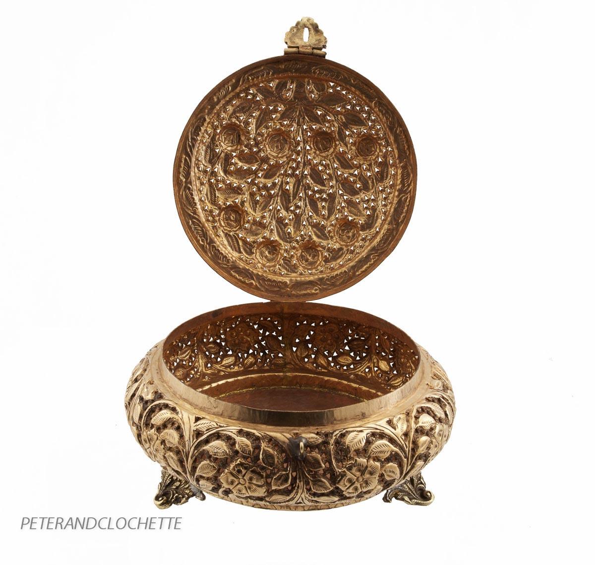 Brule encens tibetain encensoir ou boite tibetaine en for Chaise a palabre